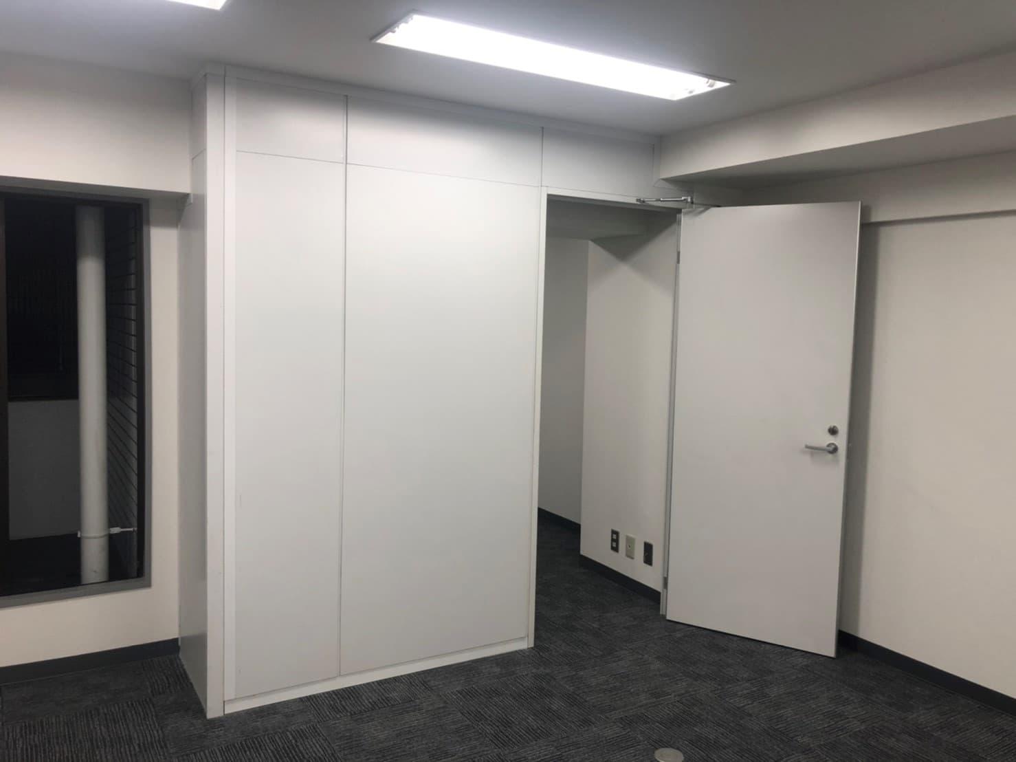 オフィスにパーテーション(間仕切り)を設置するメリットと注意点