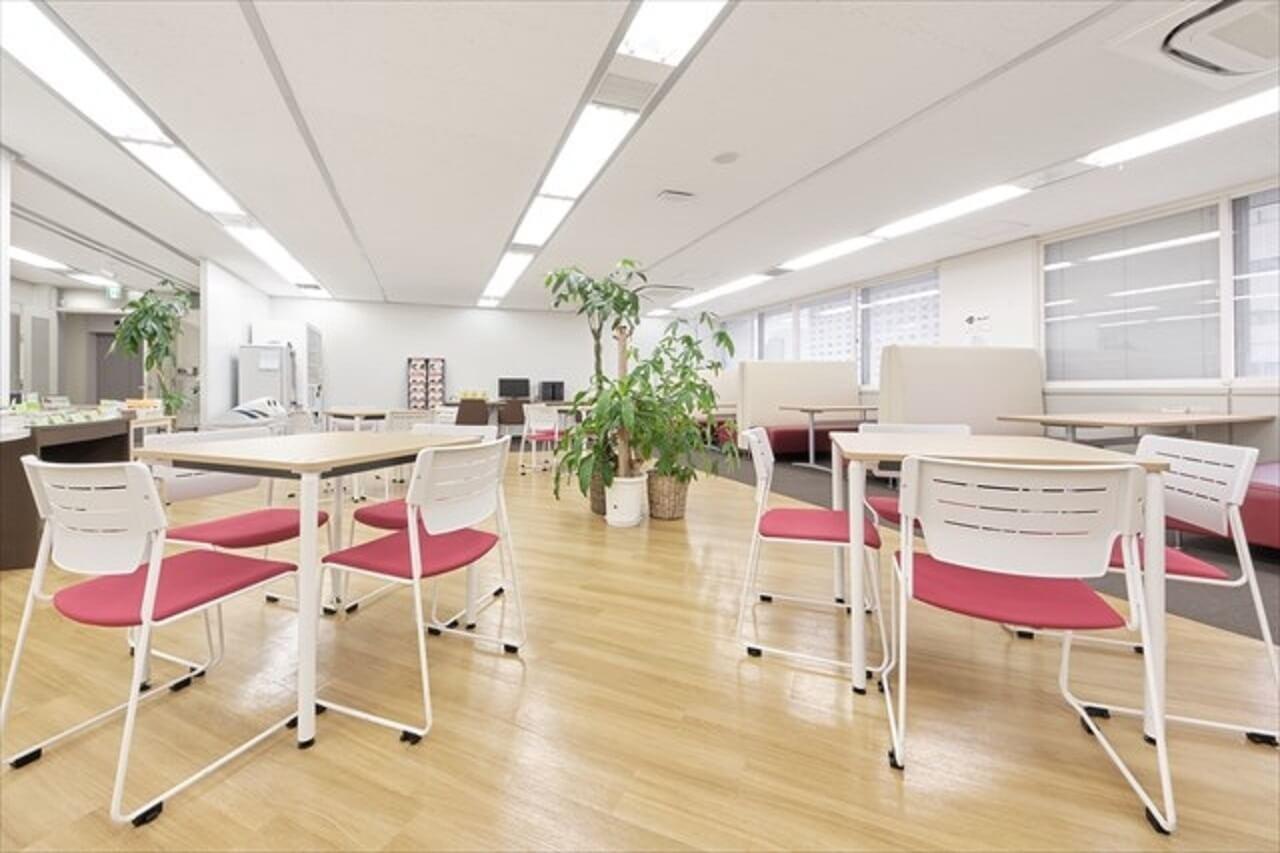 オフィスデザインで特に意識する色の効果と配色すべき空間とは?